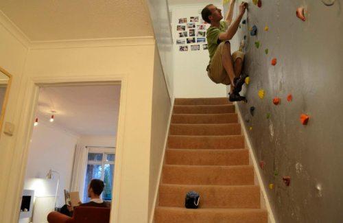 wall climb stair